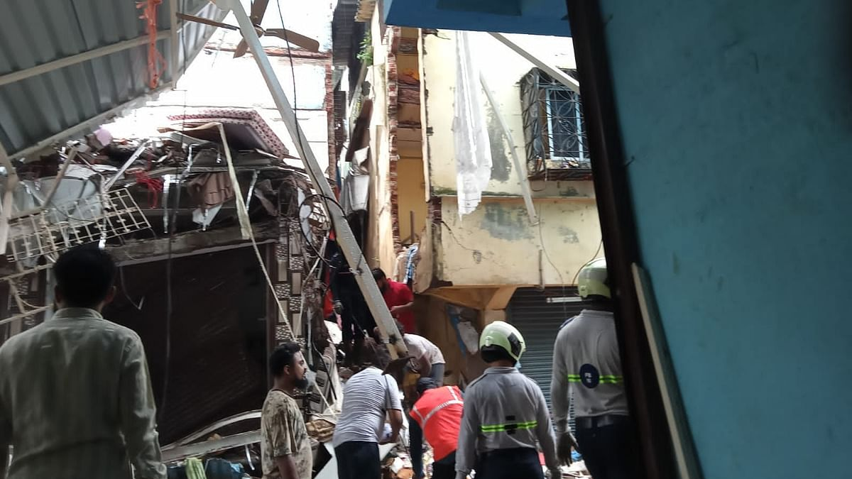 4 killed, 10 injured in Mumbai house collapse