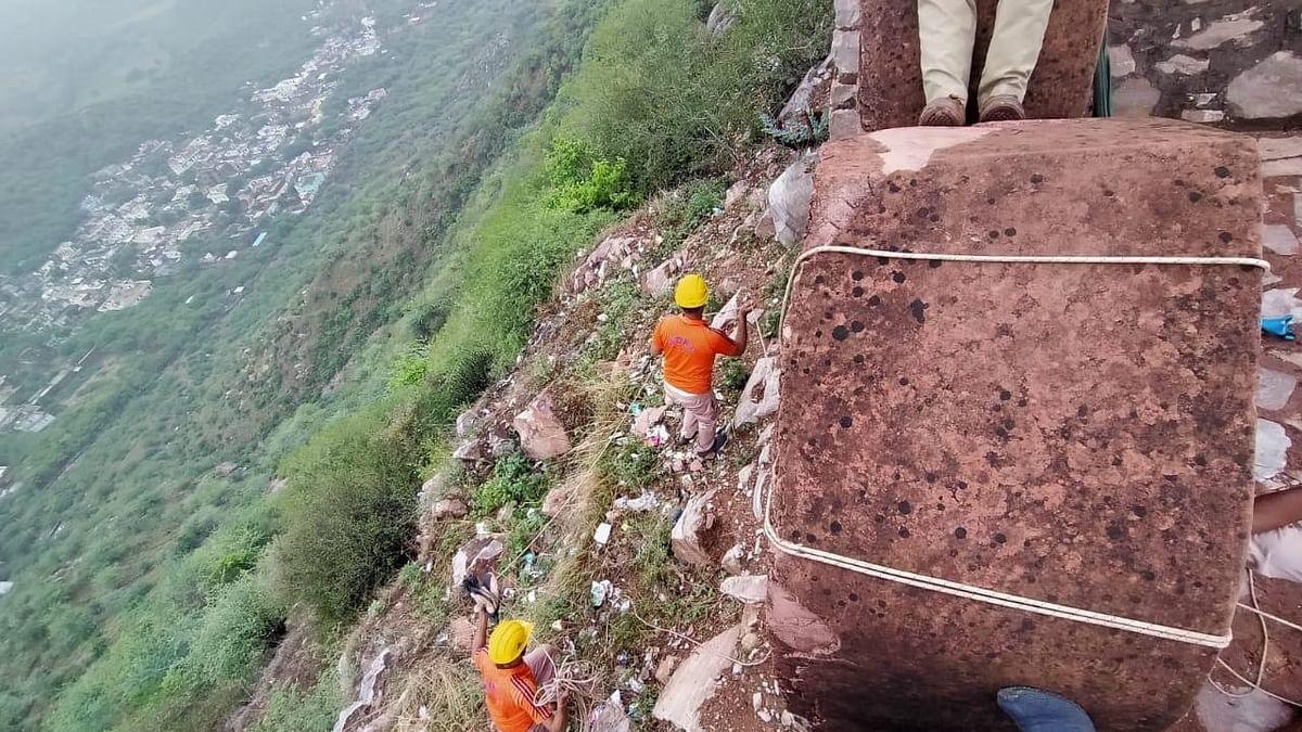 Struck by lightning: 11 tourists die in Jaipur's Amer watchtower