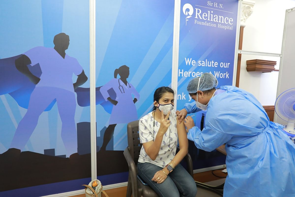 India records 555 COVID-19 deaths, 44,230 new cases of infection in last 24 hours