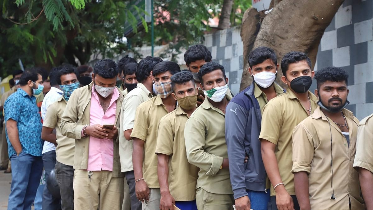 India COVID-19 deaths fall below 500 for the first time in 104 days