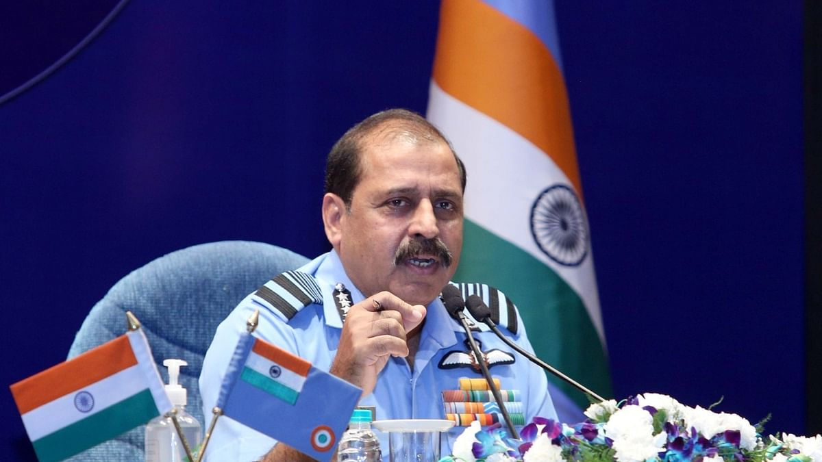 IAF chief differs with CDS over force's role in theatre command system