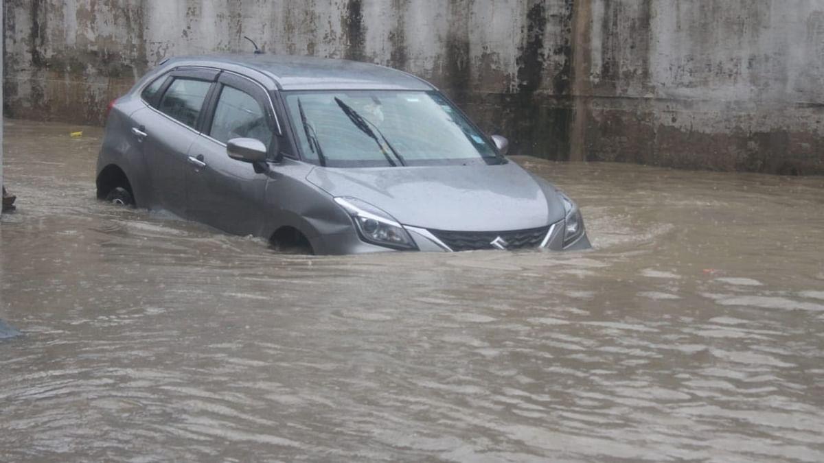 Heavy rainfall leads to waterlogging, traffic jams in Delhi