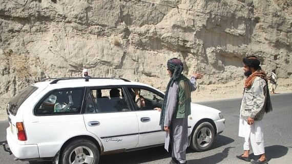 Taliban asks Kabul residents to hand over govt vehicles, weapons