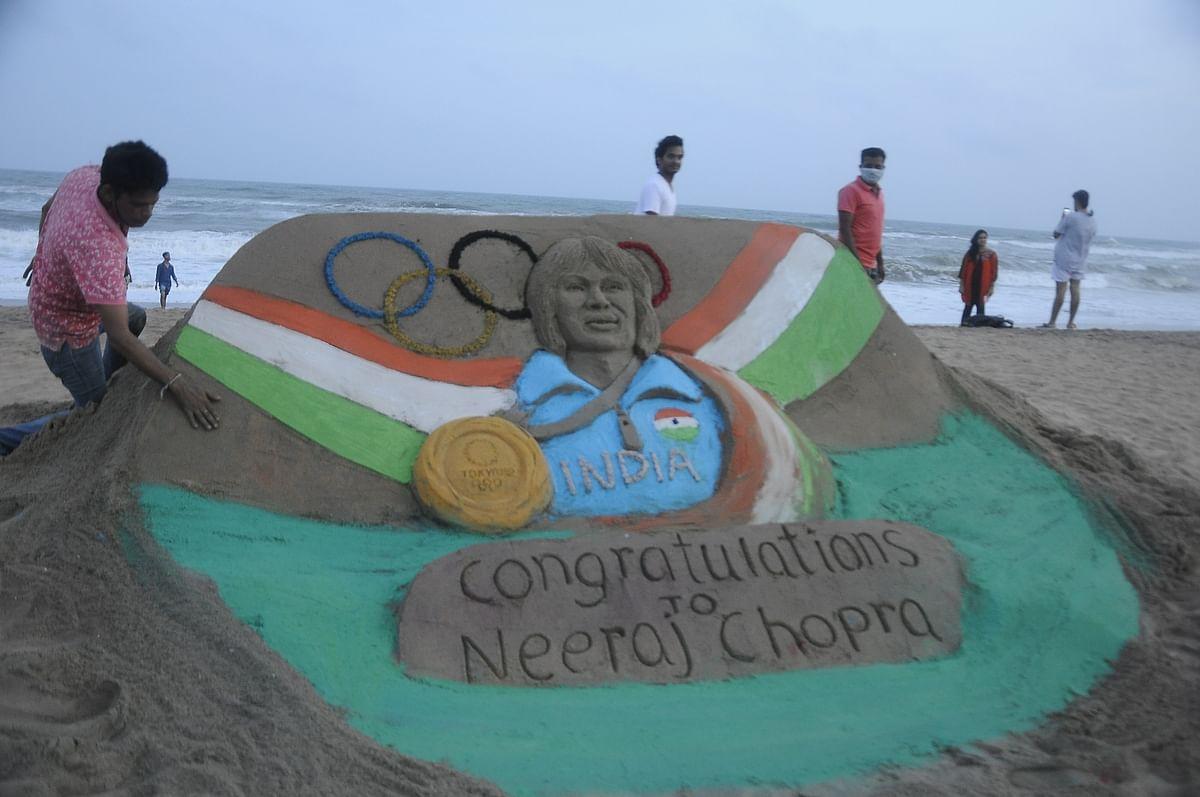 Sand Artist Sahoo congratulates star javelin thrower Neeraj Chopra through sand art
