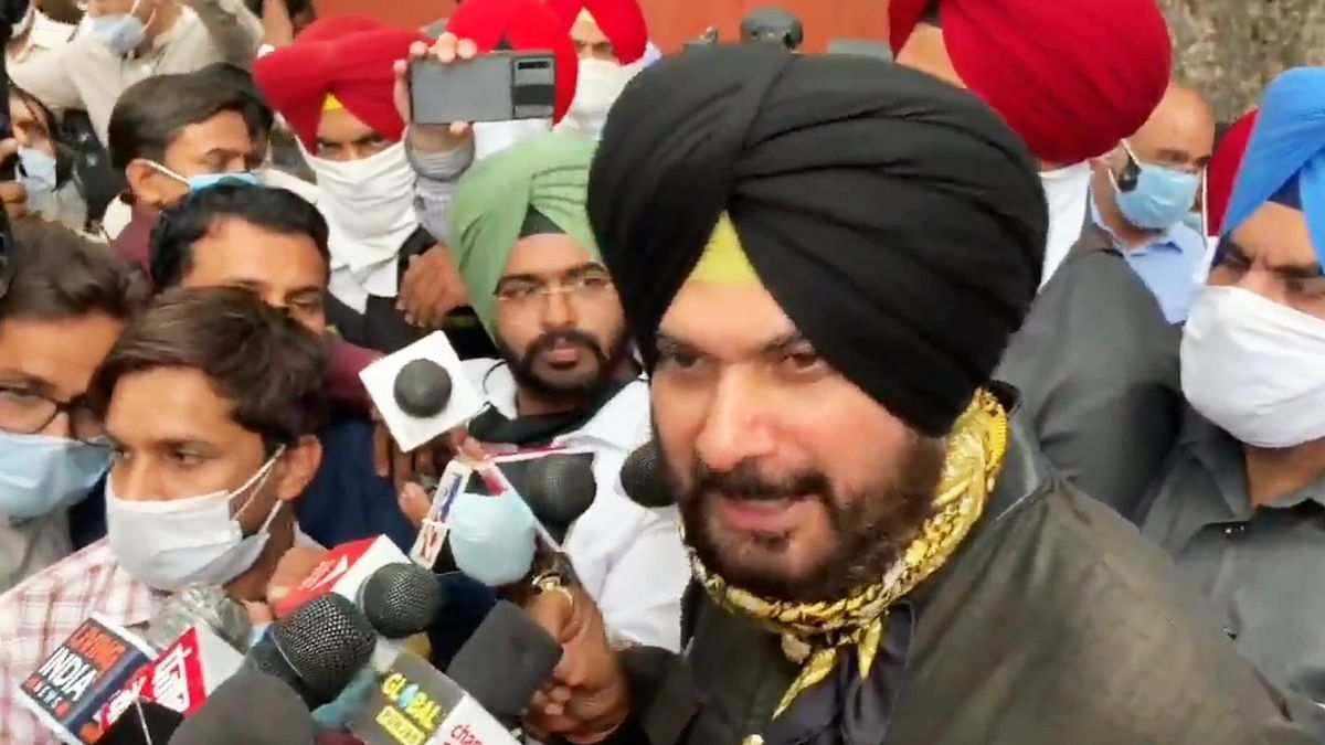 Sidhu's adviser resigns; Punjab Congress president says he can't be dummy chief