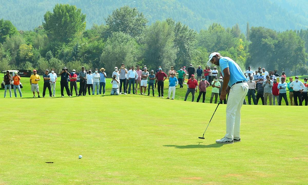 Golf: Honey Baisoya ends title-drought, wins  J&K Open