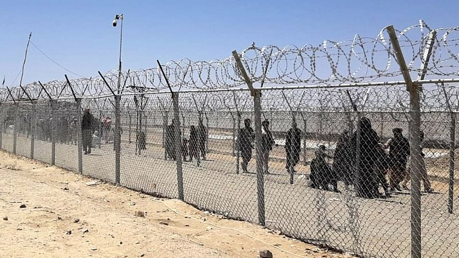 Afghans leave country in an exodus across desert