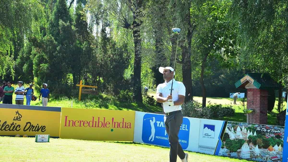 Error-free rounds enable Honey Baisoya, Khalin Joshi  to take  joint halfway lead at J&K Open