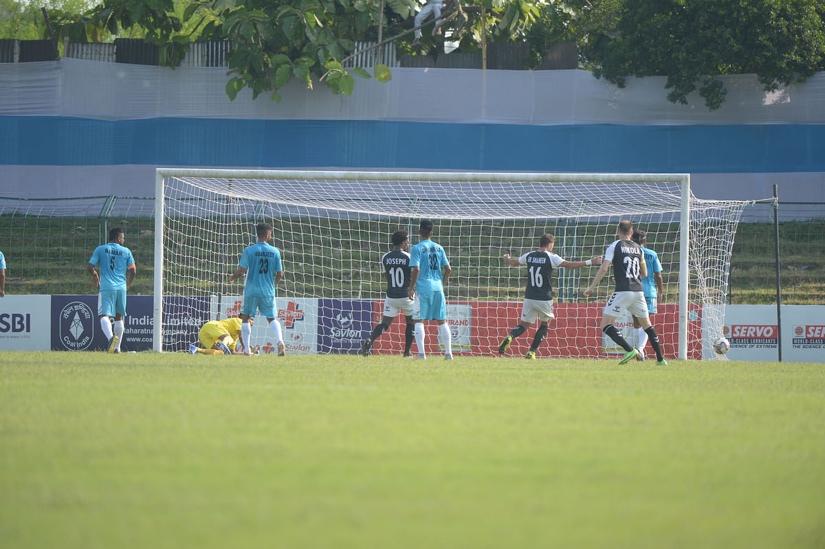 Mohammedan Sporting overwhelm CRPF to storm into quarters of 130th Durand Cup