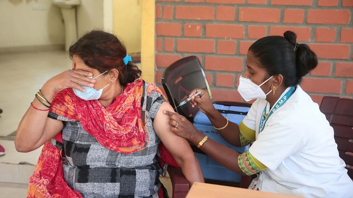 India posts 318 COVID-19 deaths, 31,382 new cases of infection in last 24 hours