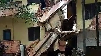 Another Bengaluru building collapses, 18 families have narrow escape