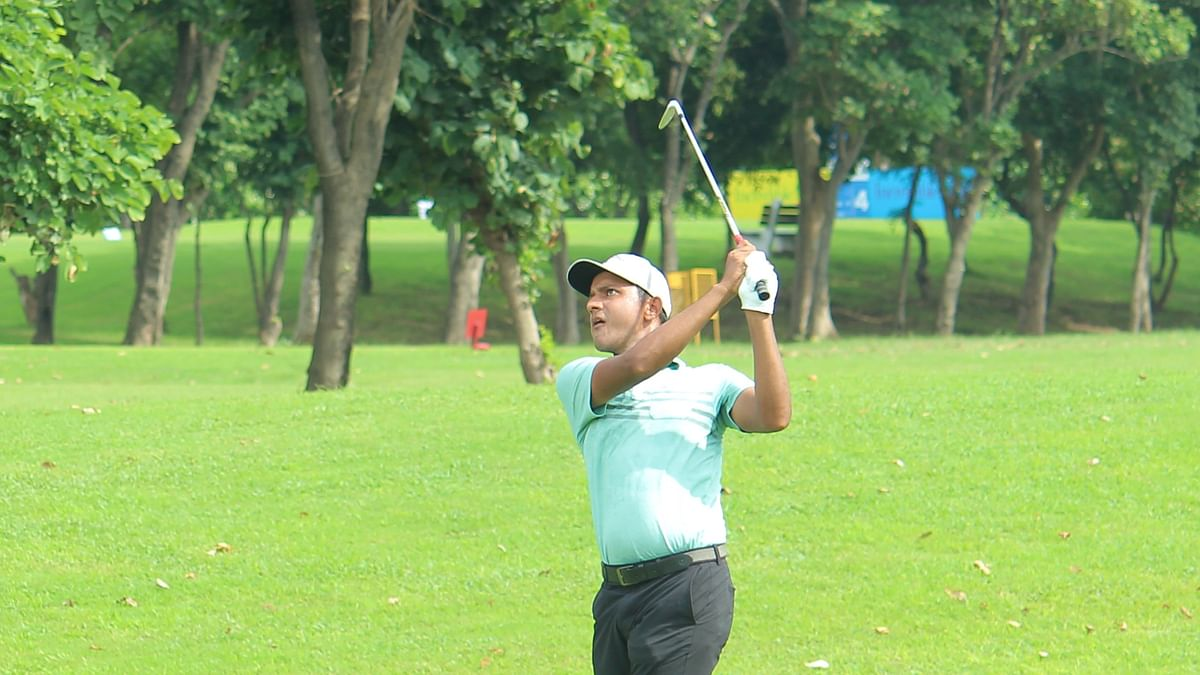 Golf: Veer Ahlawat stays put in the lead, Amardeep Malik is a close second