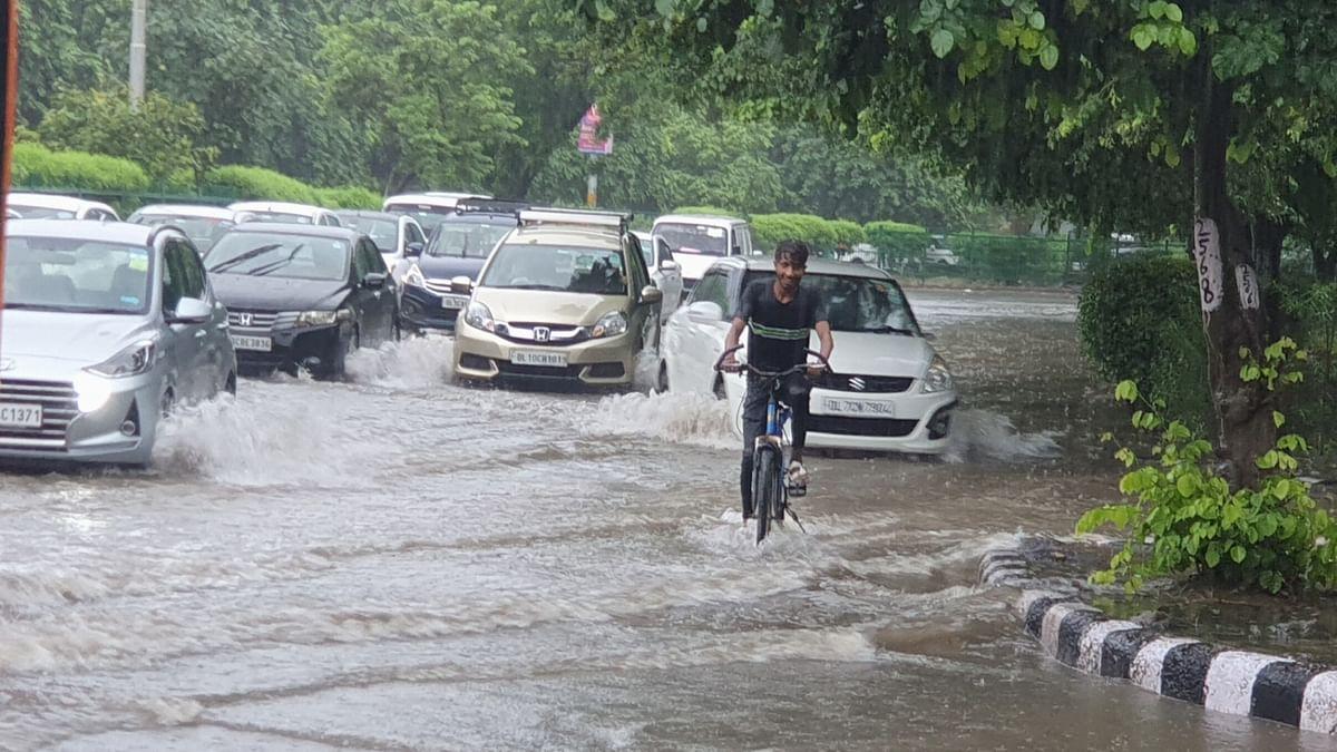 Heavy rainfall in Delhi-NCR, IMD issues orange alert