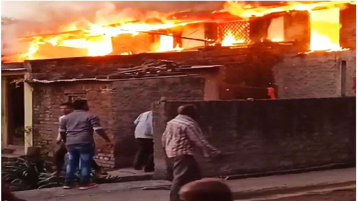 Maharashtra: After fight with wife, man sets his home on fire, ends up burning 10 houses in neighbourhood