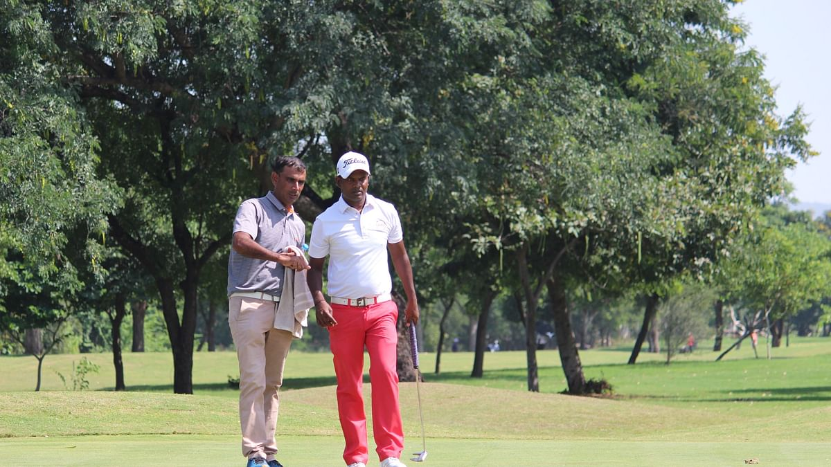 M Dharma maintains lead, Khalin Joshi  in second place at  Jaipur Open