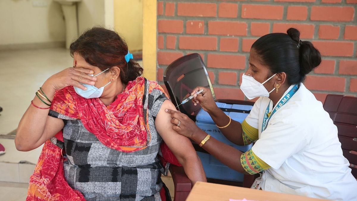 India records 246 more COVID-19 deaths, 18,987 new cases of infection in last 24 hours