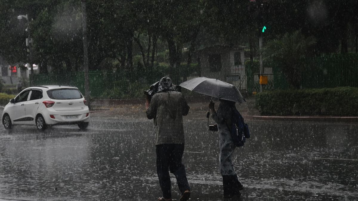 Rains, hailstorm lash Delhi-National Capital Region