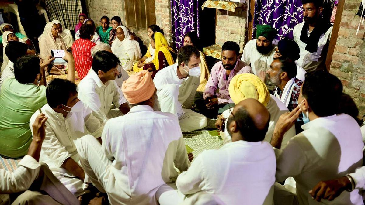 Rahul, Priyanka meet bereaved families in Lakhimpur Kheri