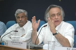The Minister of State for Environment and Forests (Independent charge), Shri Jairam Ramesh and the Minister of State (Independent Charge) of Coal, Statistics and Programme Implementation, Shri Sriprakash Jaiswal at the Joint Press Briefing, in New Delhi on June 18, 2009.