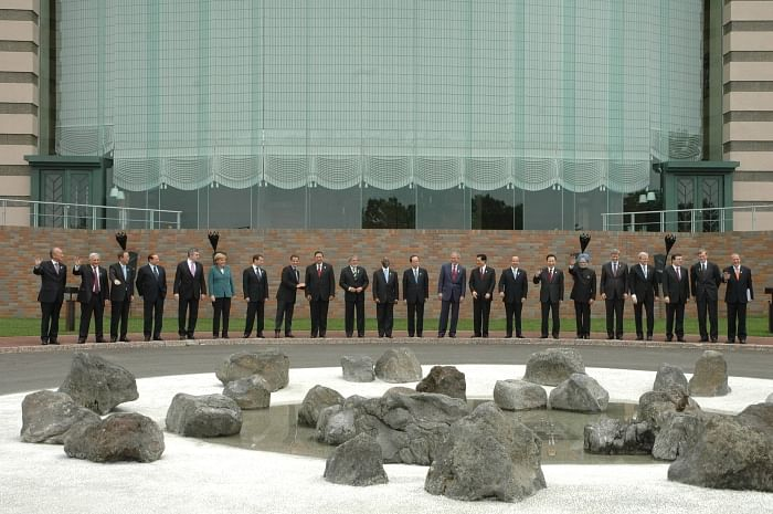 Prime Minister Manmohan Singh with other Heads of States of the G8 and Outreach countries at the Hokkaido G8 Summit in 2008.