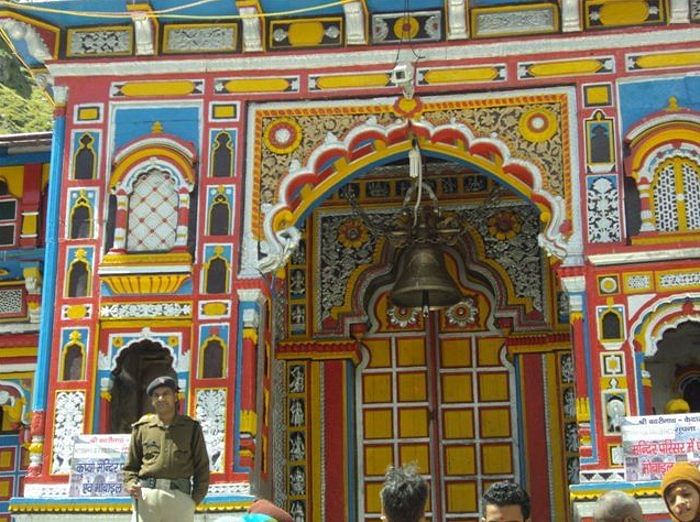 JAI BADRI VISHALJI KI The bright-hued entrance to the Badrinath temple