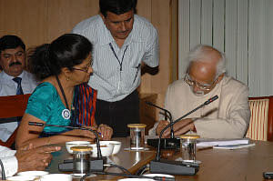 Vice President Hamid Ansari being enumerated by the staff of the Office of the Registrar General and Census Commissioner of India, to mark the Census 2011 Operation and the preparation of the National Population Register, in New Delhi on April 01, 2010.