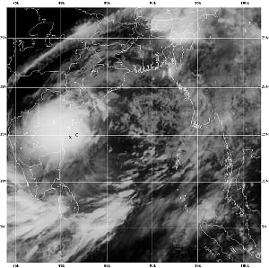 "Cyclone ""Laila"" weakening, to cross Andhra coast Thursday afternoon"