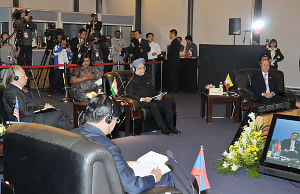 Prime Minister Manmohan Singh with the other Heads of State, at the 8th ASEAN-India Summit, in Hanoi, Vietnam on October 30, 2010.