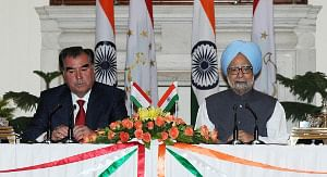 Prime Minister Manmohan Singh and Tajikistan President Emomali Rahmon, in New Delhi on September 3, 2012.