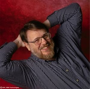 Ray Tomlinson, father of the e-mail service. Photo: Courtesy: Raytheon BBN Technologies