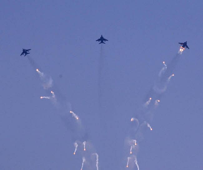A glimpse of the full dress rehearsal of the Air Force Day Parade at the Air Force Station, Hindan, near Delhi on October 6, 2012.