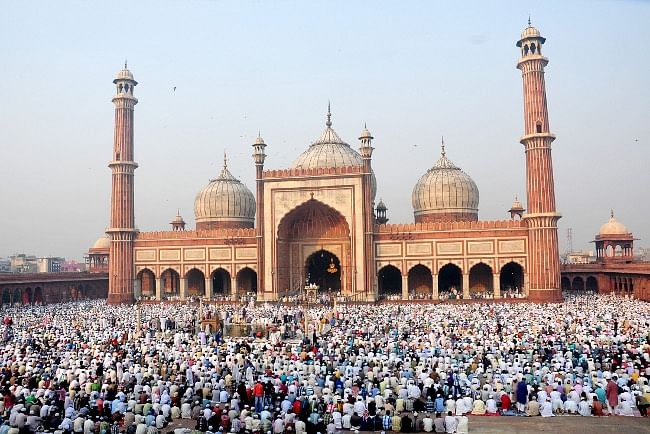 People offering 'namaz' on the occasion of Id-ul-Zuha, at Jama Masjid, in Delhi on October 27, 2012.