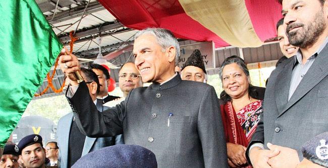 Union Minister for Railways Pawan Kumar Bansal flagging-off the new Chandigarh-Delhi Shatabadi Express, at Chandigarh Railway Station on January 14, 2013.