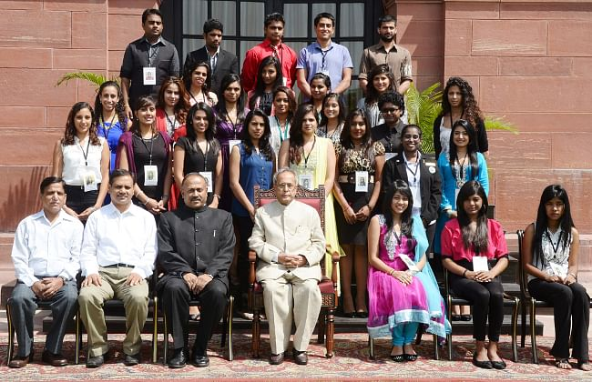 Participants of the 25th Know India Programme for Diaspora Youth with President Pranab Mukherjee at Rashtrapati Bhavan in Delhi on September 18, 2013.