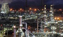 A view of RIL's petroleum refinery at Jamnagar in Gujarat