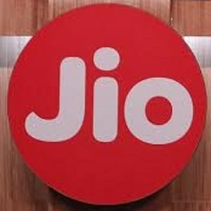 Reliance Jio signs agreement for trading of right  to use spectrum with Bharti Airtel in AP, Delhi, Mumbai