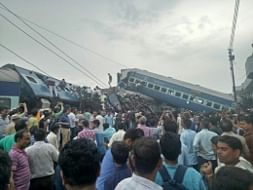 Six coaches of Utkal Express derail near Muzzafarnagar in Uttar Pradesh