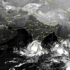 IMD issues cyclone warning for South Kerala, south TN and Lakshadweep