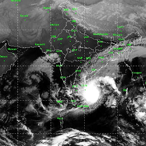 Cyclone Phethai likely to cross Andhra Pradesh coast on Monday afternoon