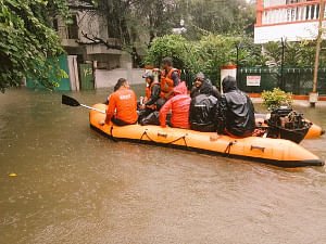 NDRF personnel carrying out rescue operations in Maharashtra's flood-affected Nashik on August 5, 2019. (Photo: IANS)