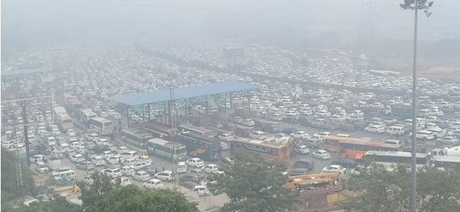 Delhi-Gurugram commuters stranded for hours in traffic jam