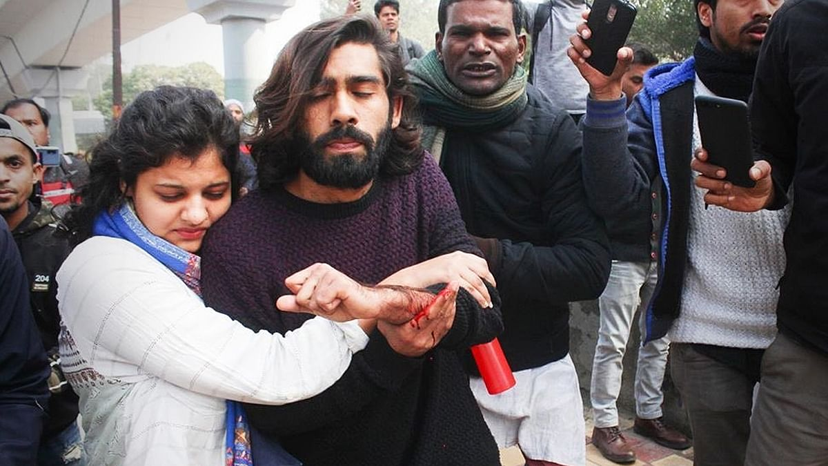 Gunman shoots at Jamia Millia students marching towards Rajghat, wounds one