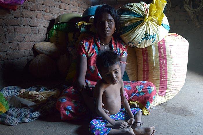 Jayesh Vaje, 4, and his mother Sangeeta.
