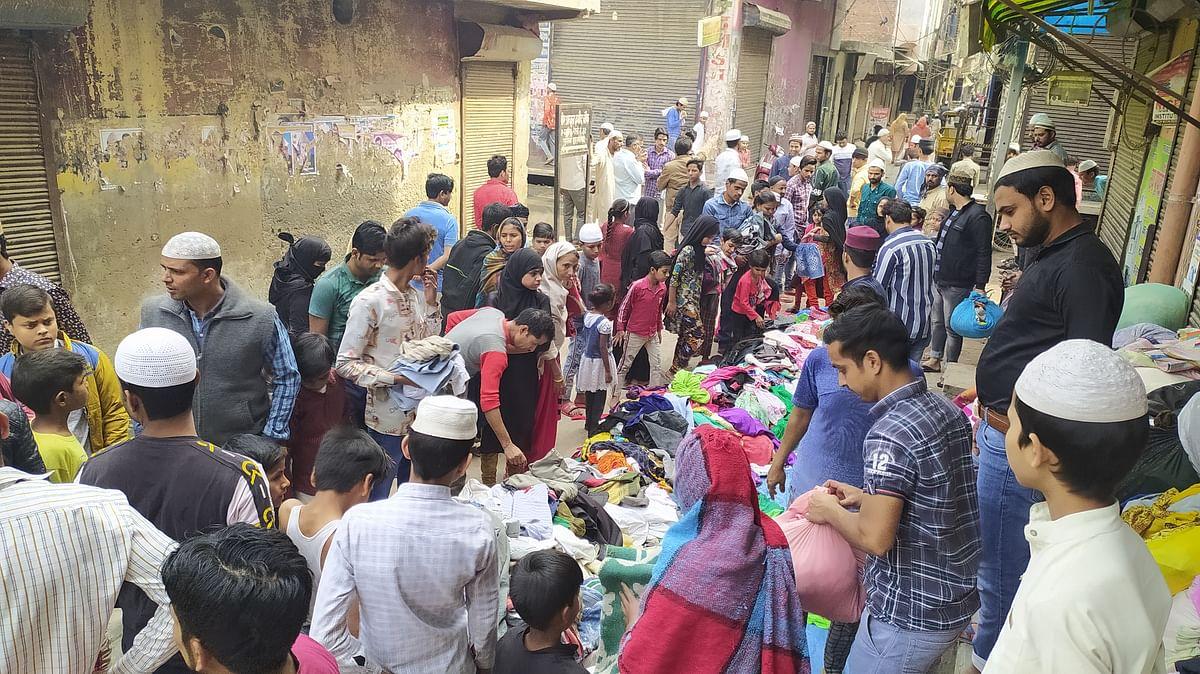 शिव विहार से घर छोड़कर मुस्तफाबाद पहुंचे लोग