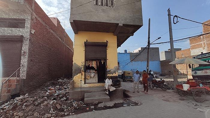 Hassan's tea shop in Raghunath Colony.