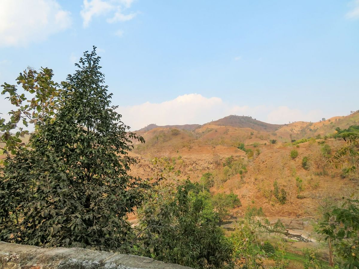 Many Adivasi families live in the hilly region of Dhadgaon.