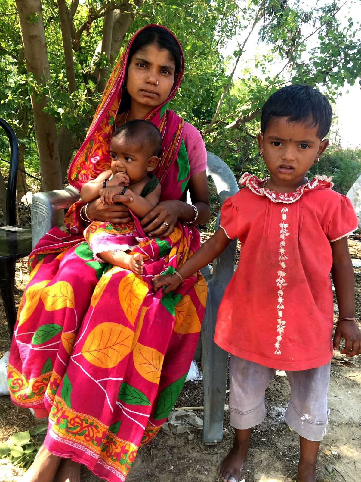 Rashida who lives in Kabadi Basti near Kapasheda farm houses had delivered a baby 3 months back and found it hard to aceess food at a school 2 km away.