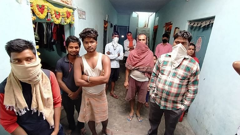 Migrant workers who work in the dhabas of Murthal are struggling.