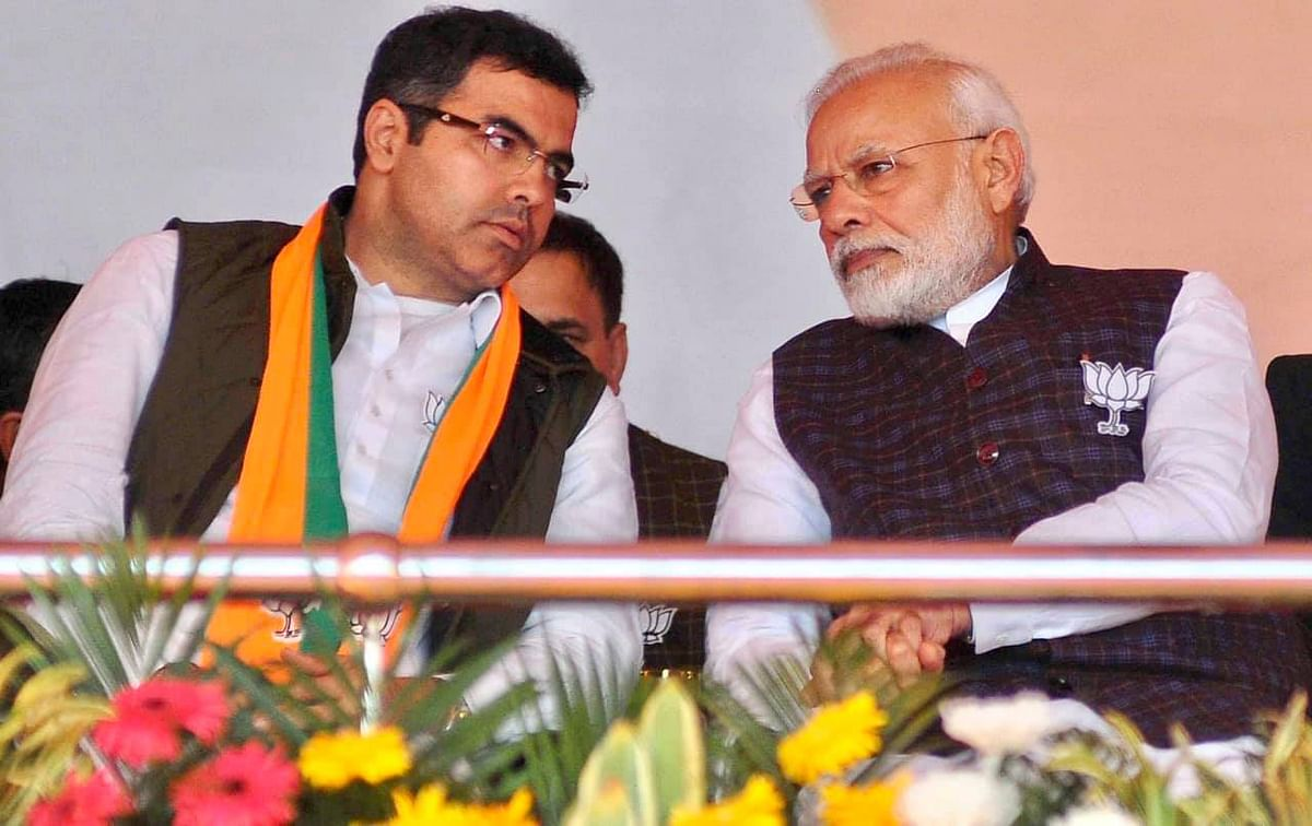 प्रधानमंत्री नरेंद्र मोदी के साथ प्रवेश वर्मा