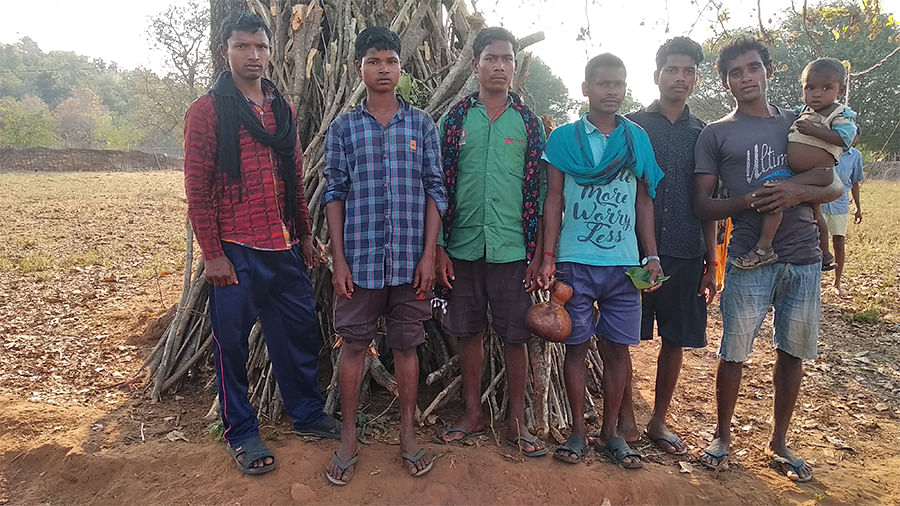 Adivasi villagers in Neelwaya panchayat.